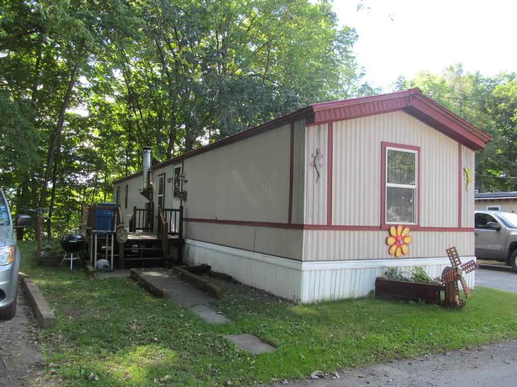 CHARLESTOWN NH Mobile-Manufacured Home for sale $$17,500 | $19 per sq.ft.