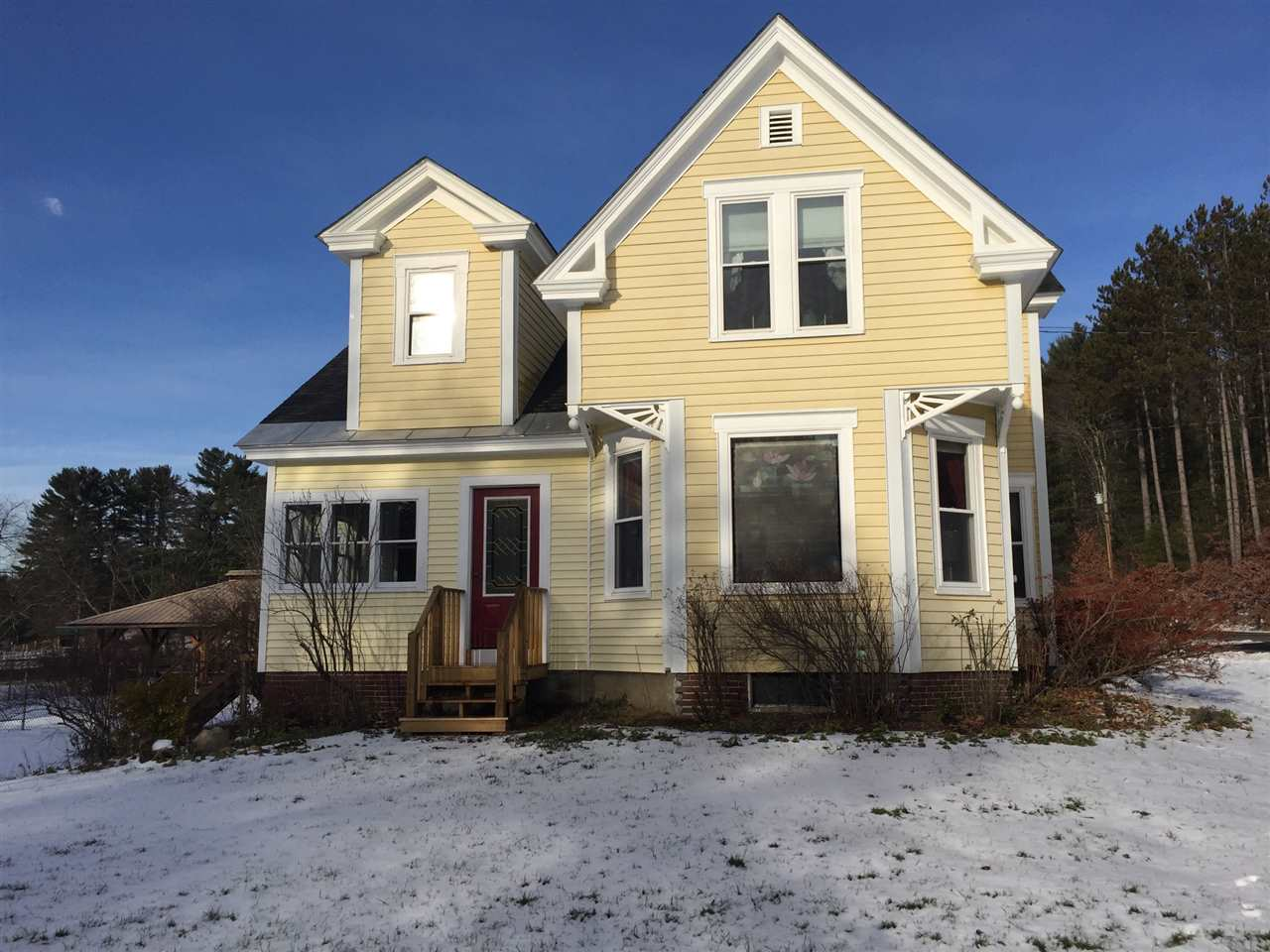 EPSOM NH  Home for sale $425,000