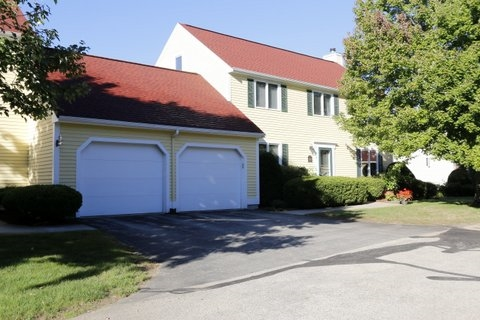 Nashua NH Condo for sale $List Price is $310,000