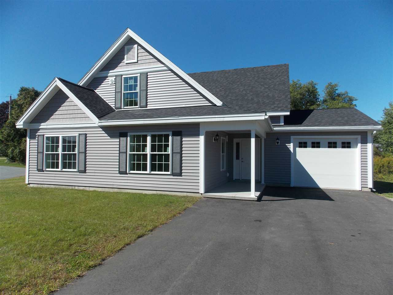 VILLAGE OF WILDER IN TOWN OF HARTFORD VT Home for sale $$318,900 | $146 per sq.ft.