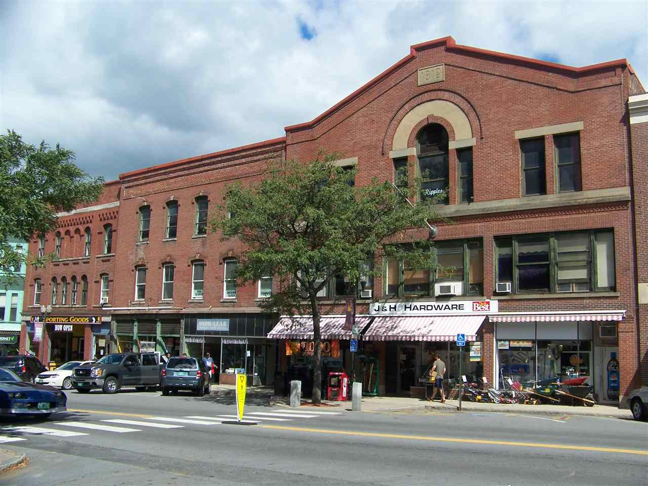 VILLAGE OF BELLOWS FALLS IN TOWN OF ROCKINGHAM VT Commercial Lease for rent $Commercial Lease For Lease: $375 with Lease Term
