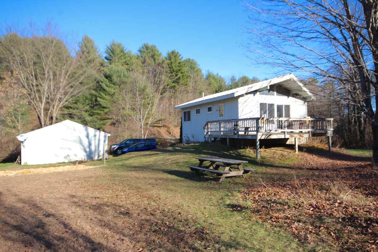 Hartland VT Home or Farm Acres: 2.2   Beds: 2