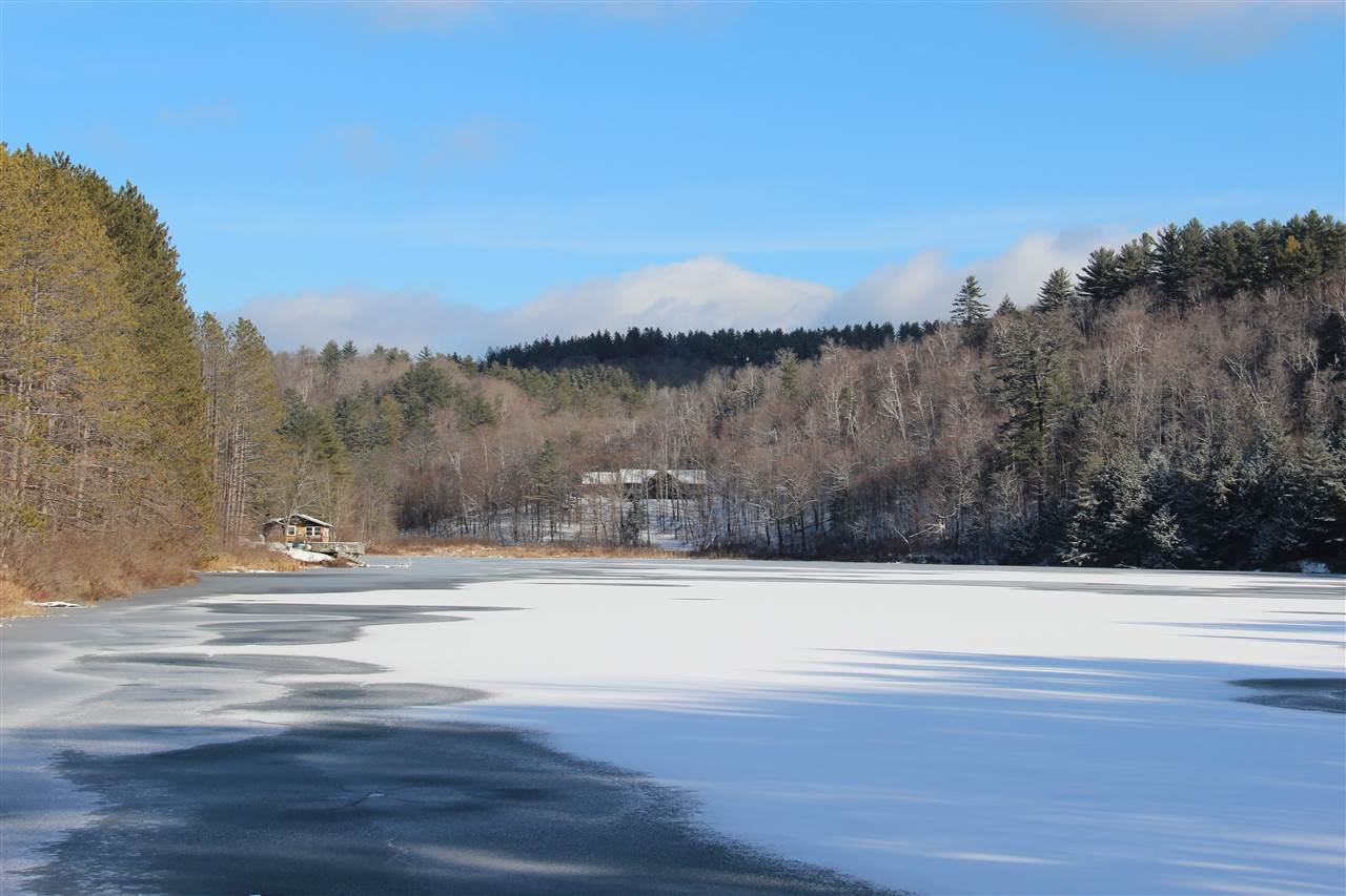 SHARON VT Lake House for sale $$399,000 | $169 per sq.ft.