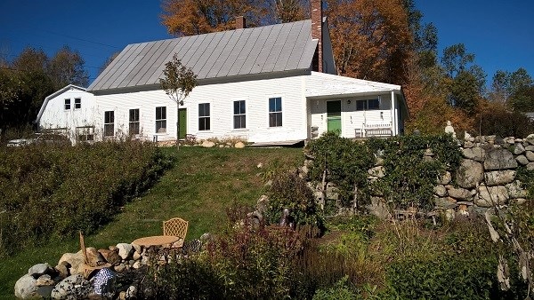 TOPSHAM VT Lake House for sale $$320,000 | $135 per sq.ft.
