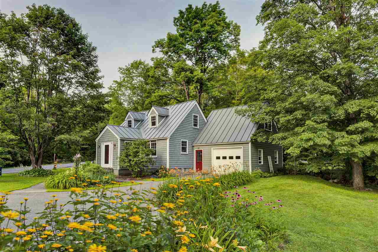 Norwich vermont homes between 250000 and 500000 dollars for Home builders in vermont