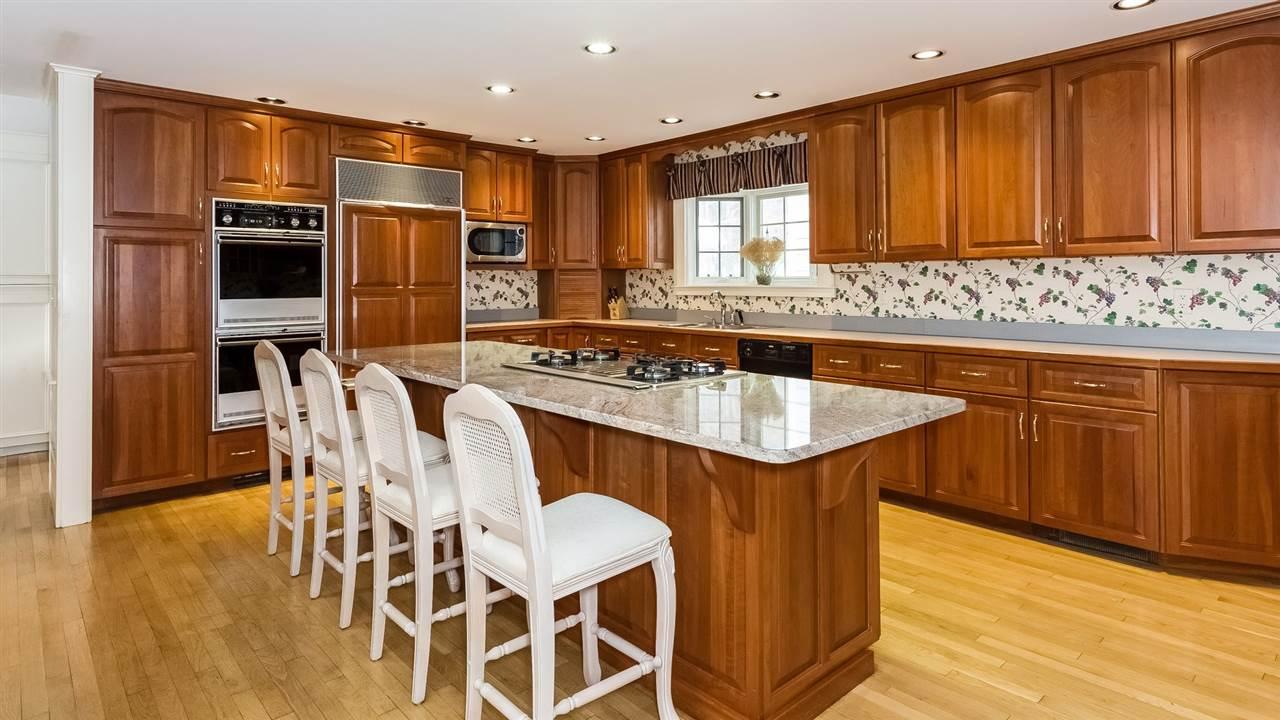 Large Kitchen 9659205