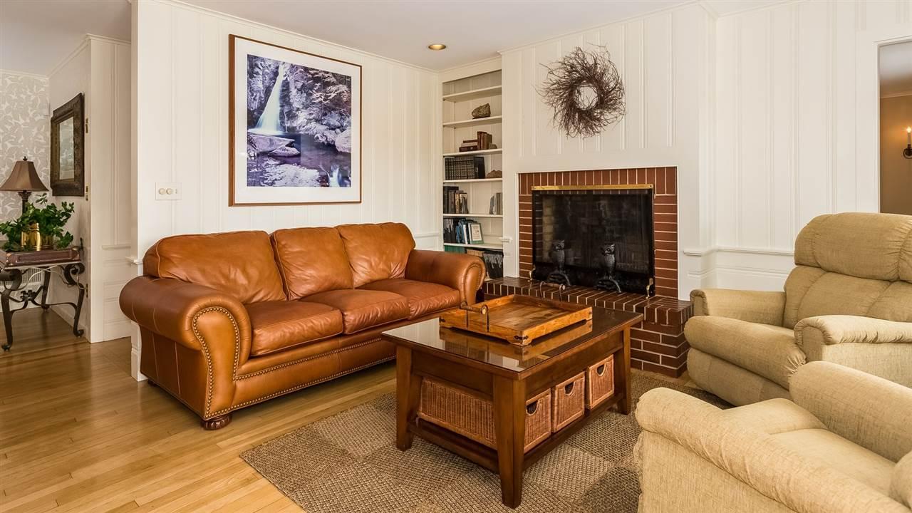 Cozy Sitting Room 9659208