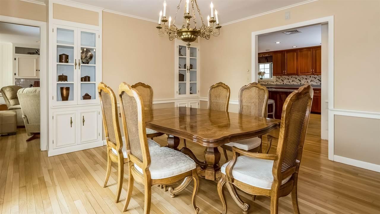 Formal Dining Room 9659210