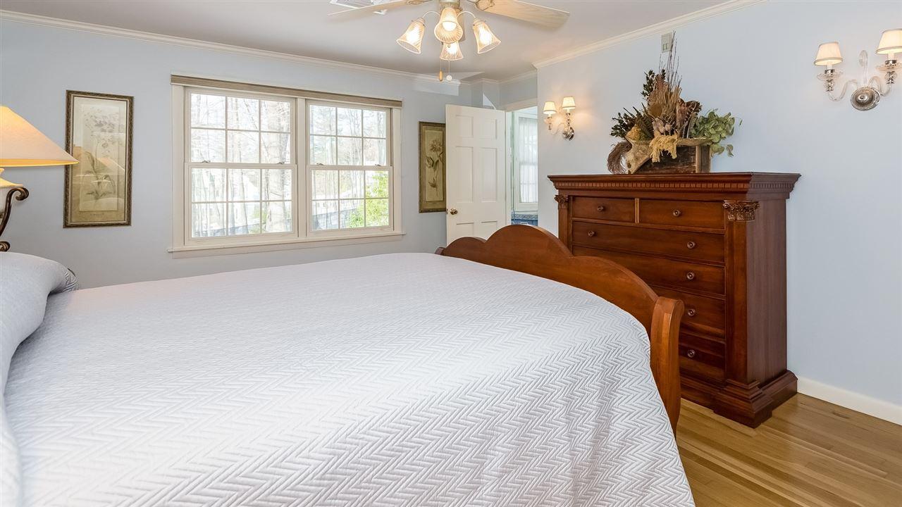 Bedroom 2 9659217