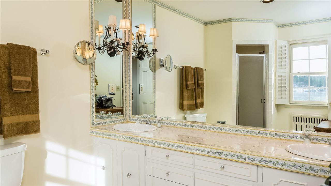Bedroom 2 Bath 9659218