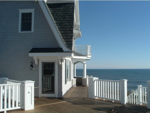 HAMPTON NH Home for sale $$1,650,000 | $656 per sq.ft.