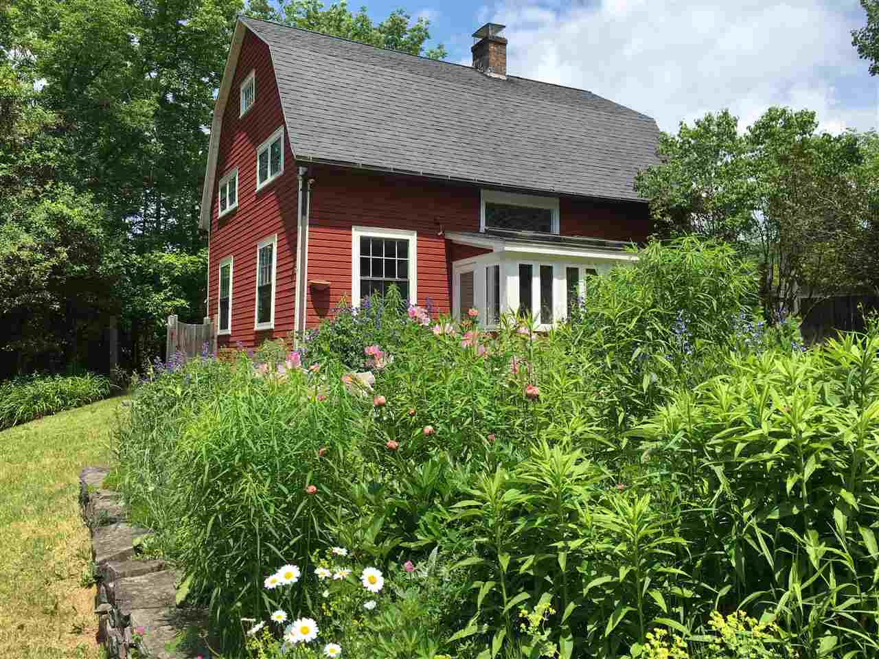 WOODSTOCK VT Lake House for sale $$350,000 | $226 per sq.ft.