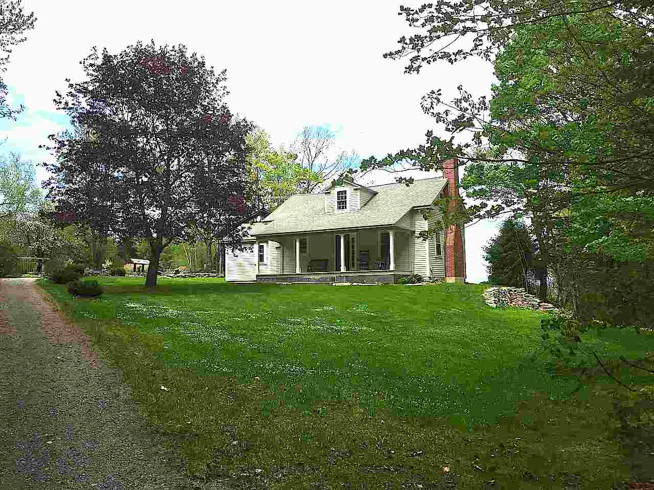 DORCHESTER NH Lake House for sale $$489,500 | $370 per sq.ft.