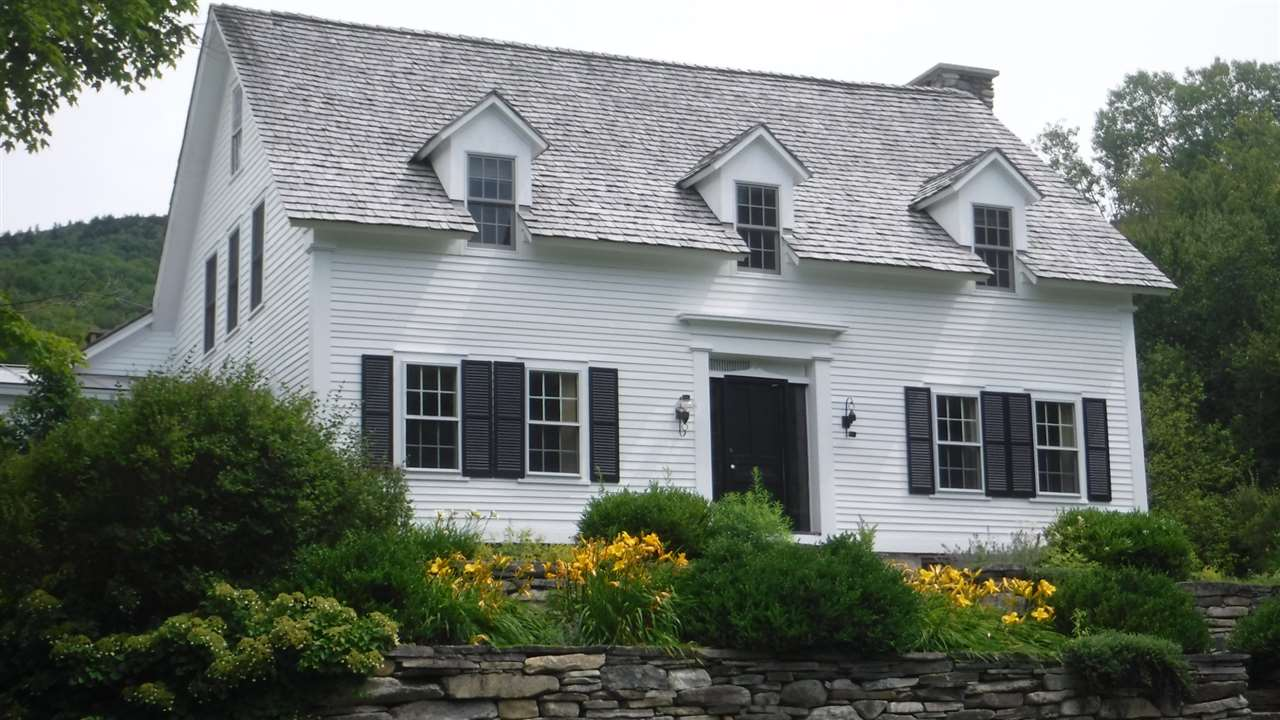Nicely renovated farmhouse on 18 acres. 5 minutes...