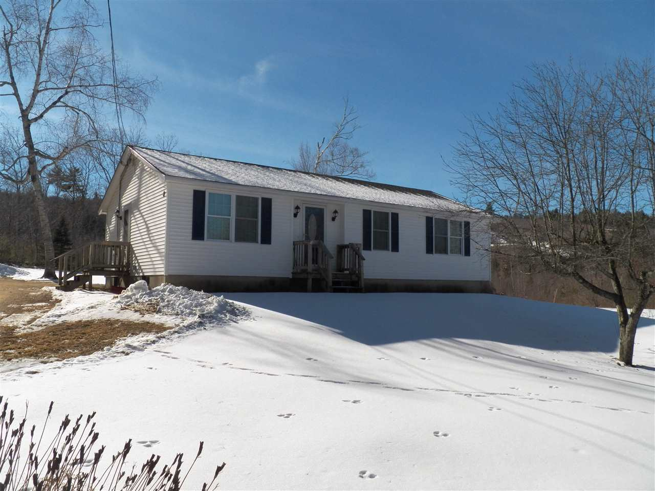 DEERFIELD NH Home for sale $$225,000 | $214 per sq.ft.