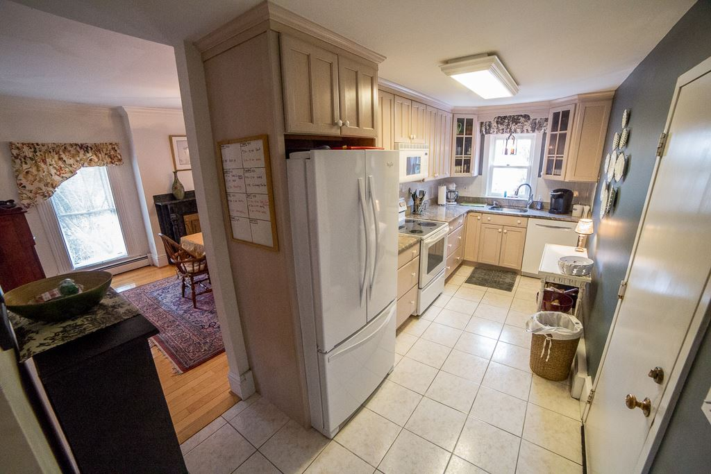 Manchester NHCondo for sale $List Price is $224,900