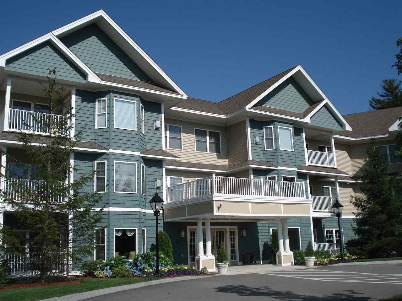 Bedford NHCondo for sale $List Price is $279,000