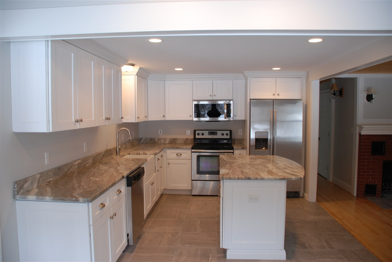 BEDFORD NHSingle Family for rent $Single Family For Lease: $2,200 with Lease Term
