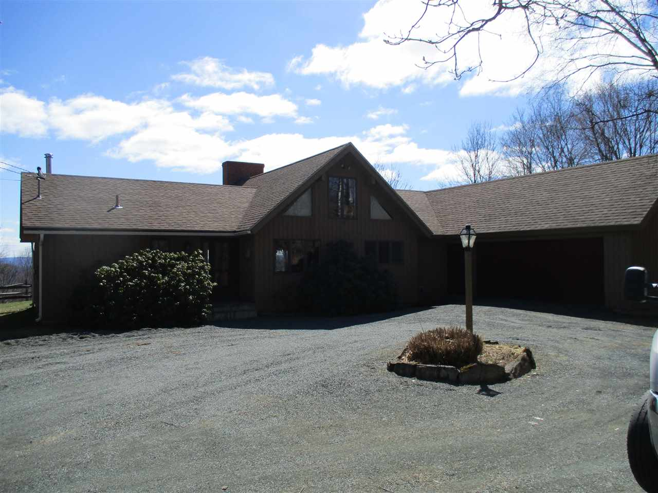 VILLAGE OF QUECHEE IN TOWN OF HARTFORD VT Home for sale $$279,000 | $138 per sq.ft.