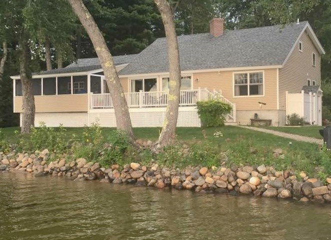 Lake Ossipee Lake waterfront home for sale in Ossipee