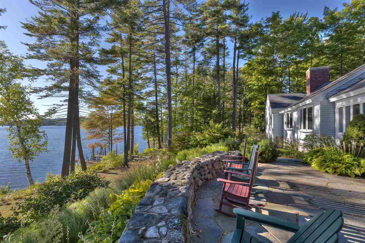 NEW LONDON NH Lake House for sale $$2,250,000 | $1,006 per sq.ft.