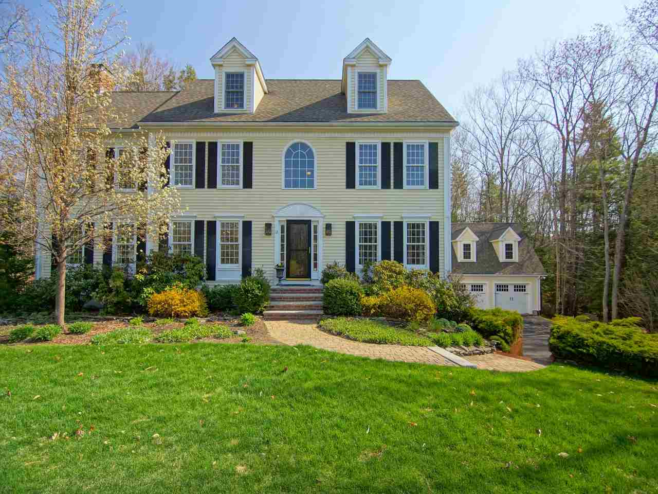 Real estate listings bentley by the sea for Pine garden exeter nh