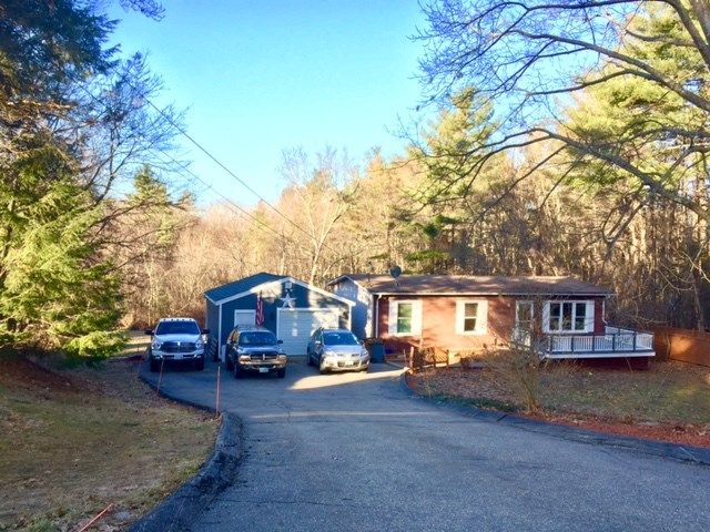 Plaistow NHHome for sale $List Price is $284,000
