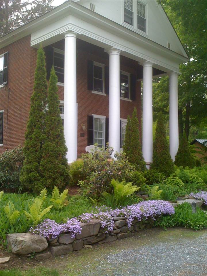 WOODSTOCK VTMulti-Family for rent $Multi-Family For Lease: $950 with Lease Term