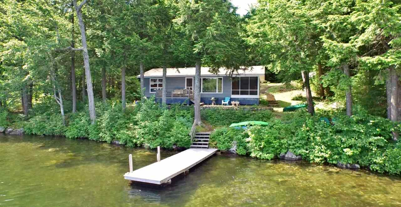 NEW LONDON NH Lake House for sale $$899,000 | $942 per sq.ft.