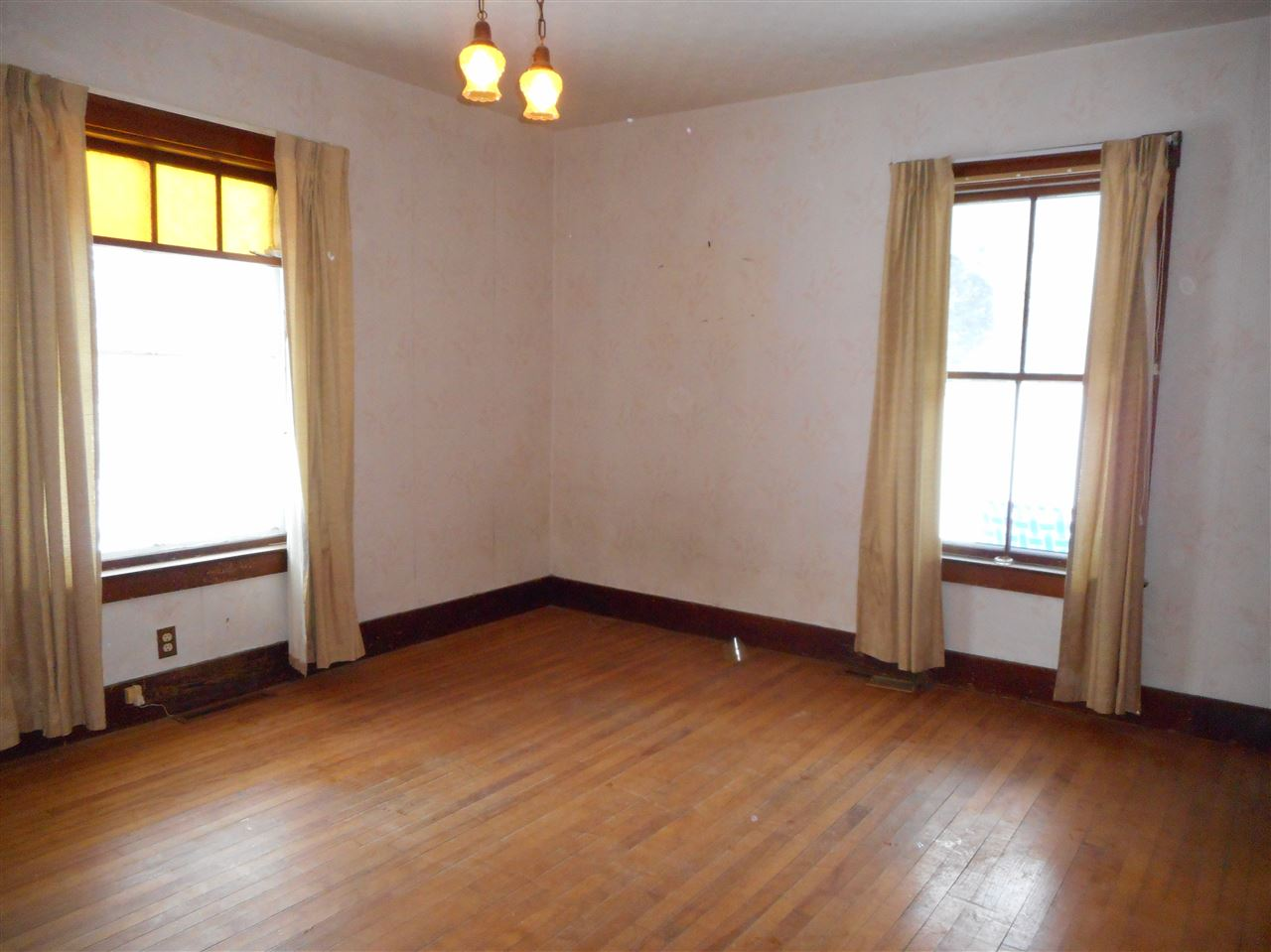 Vermont-Real-Estate-4622263-7