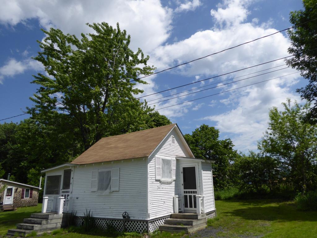 42 White's Lane North, Grand Isle, VT 05458