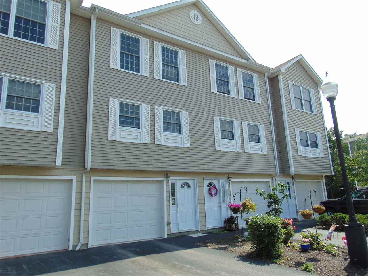 Manchester NH Condo for sale $List Price is $160,000