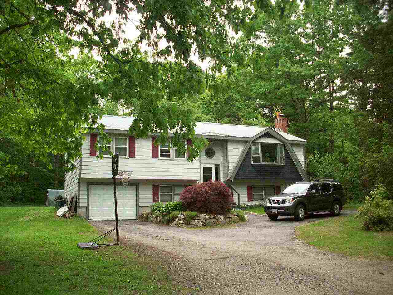 Sandown NH Home for sale $List Price is $224,500