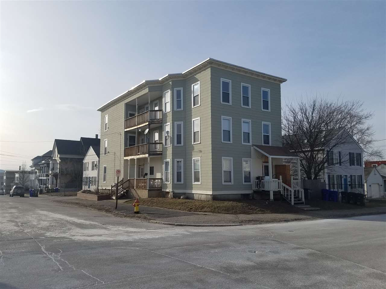 image of Manchester NH  3 Unit Multi Family | sq.ft. 7188