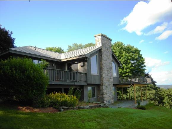 VILLAGE OF QUECHEE IN TOWN OF HARTFORD VT Home for sale $$475,000 | $266 per sq.ft.