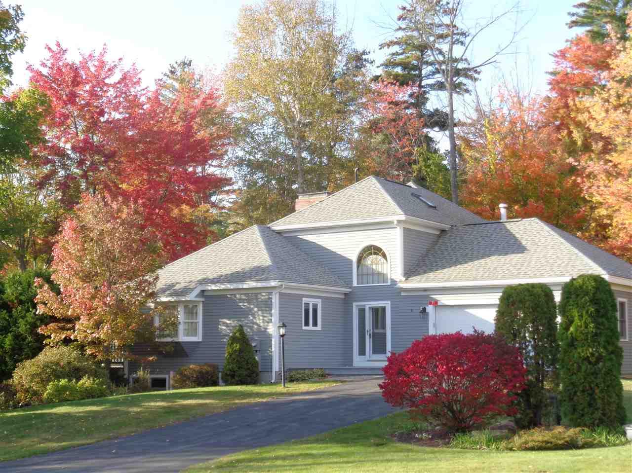 BRIDGEWATER NH  Condo for sale $675,000
