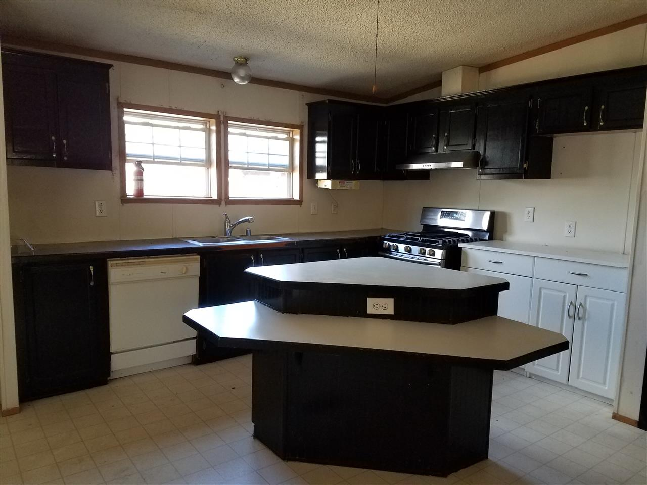 ENFIELD NHMobile-Manufacured Home for sale $$130,000 | $53 per sq.ft.