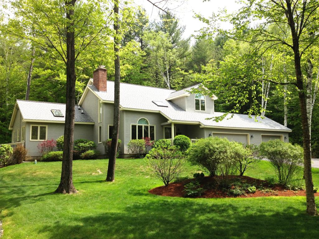 VILLAGE OF QUECHEE IN TOWN OF HARTFORD VT Home for sale $$425,000 | $182 per sq.ft.