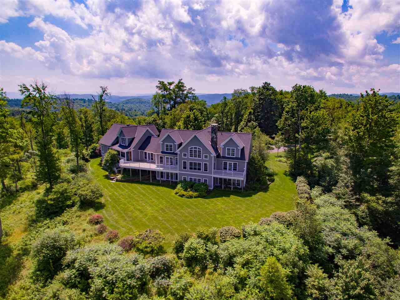 SOUTHERN VERMONT HILLTOP ESTATE: Magnificent...