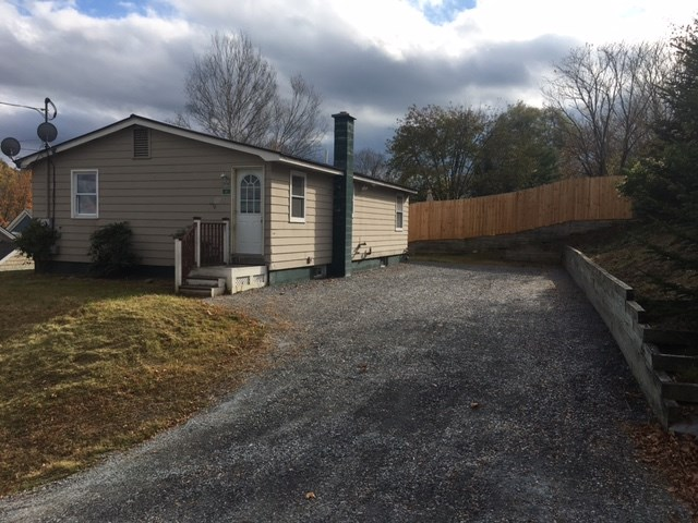 BRADFORD VT Home for sale $$89,500 | $87 per sq.ft.