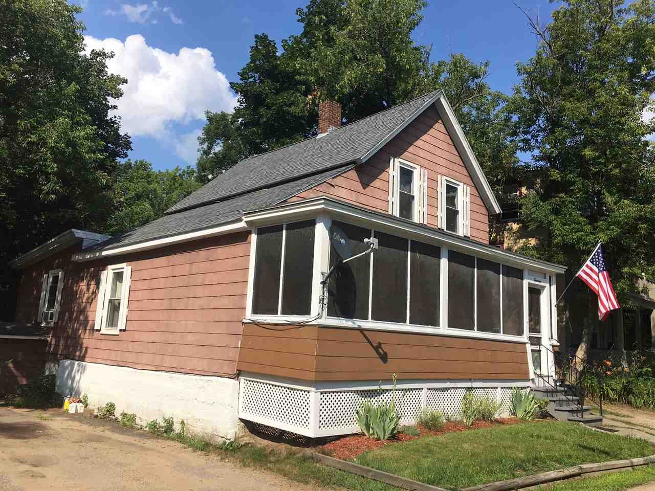 14 Olive Place, Laconia, NH 03246