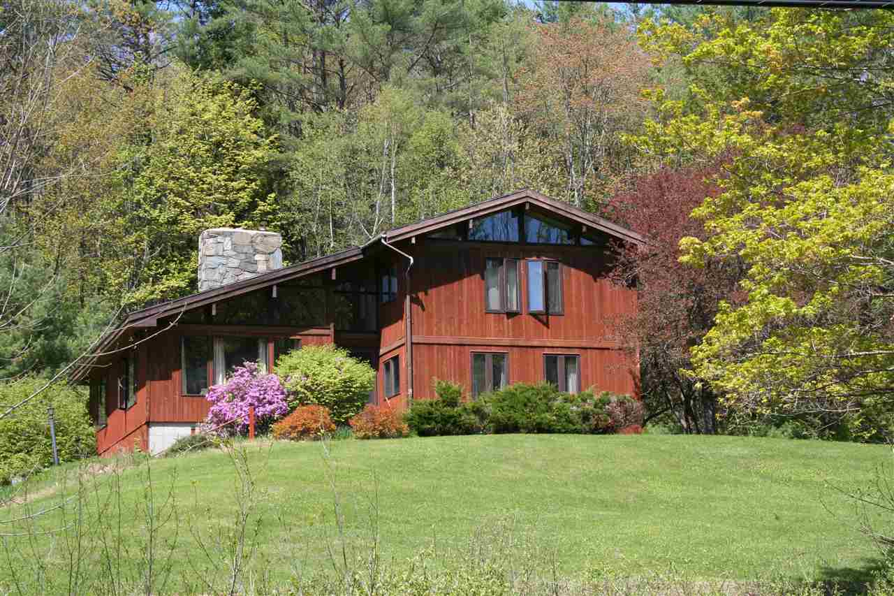 VILLAGE OF QUECHEE IN TOWN OF HARTFORD VT Home for sale $$295,000 | $118 per sq.ft.