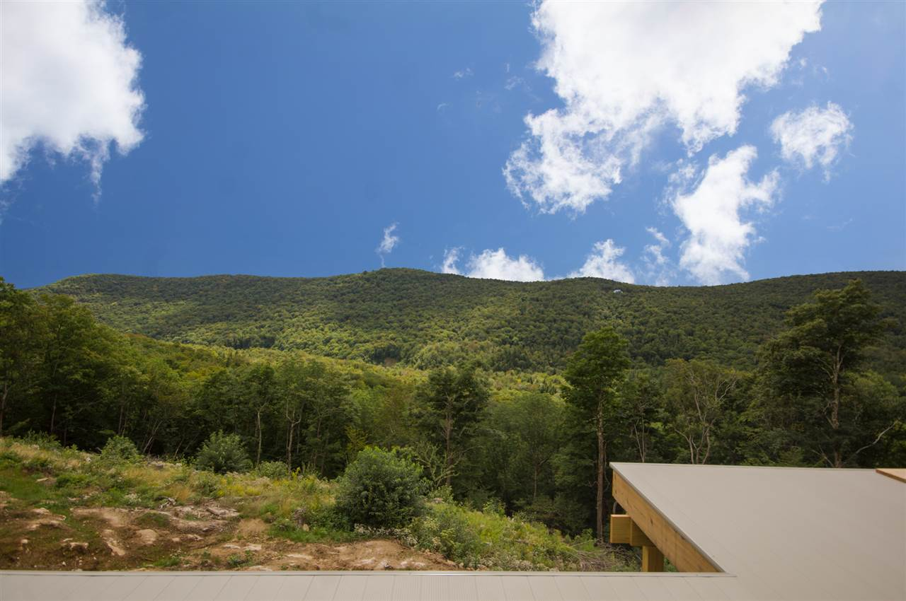 This beautiful 10 acre lot has amazing view...