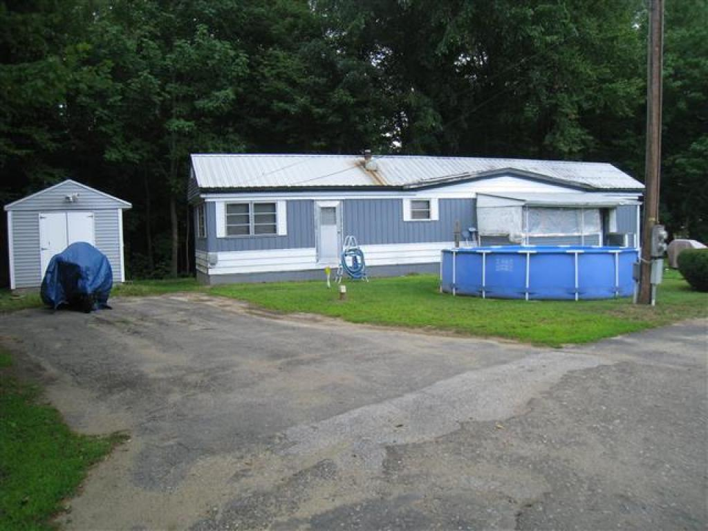 BOSCAWEN NH Mobile-Manufacured Home for sale $$9,400 | $14 per sq.ft.