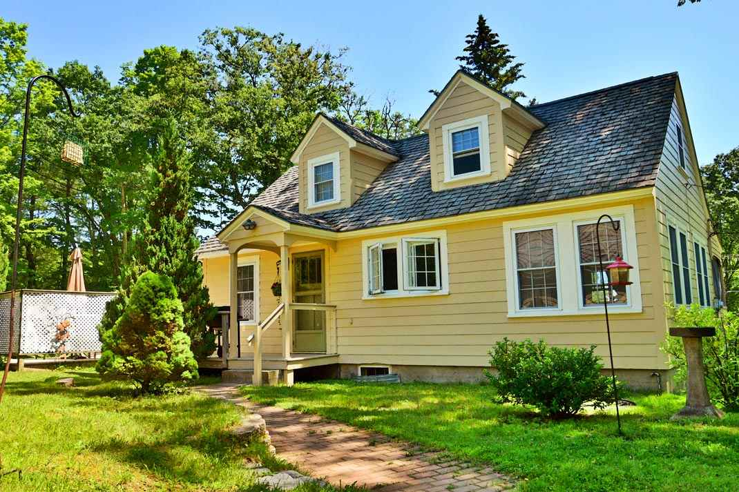 Tilton NH Home for sale $$195,000 $147 per sq.ft.