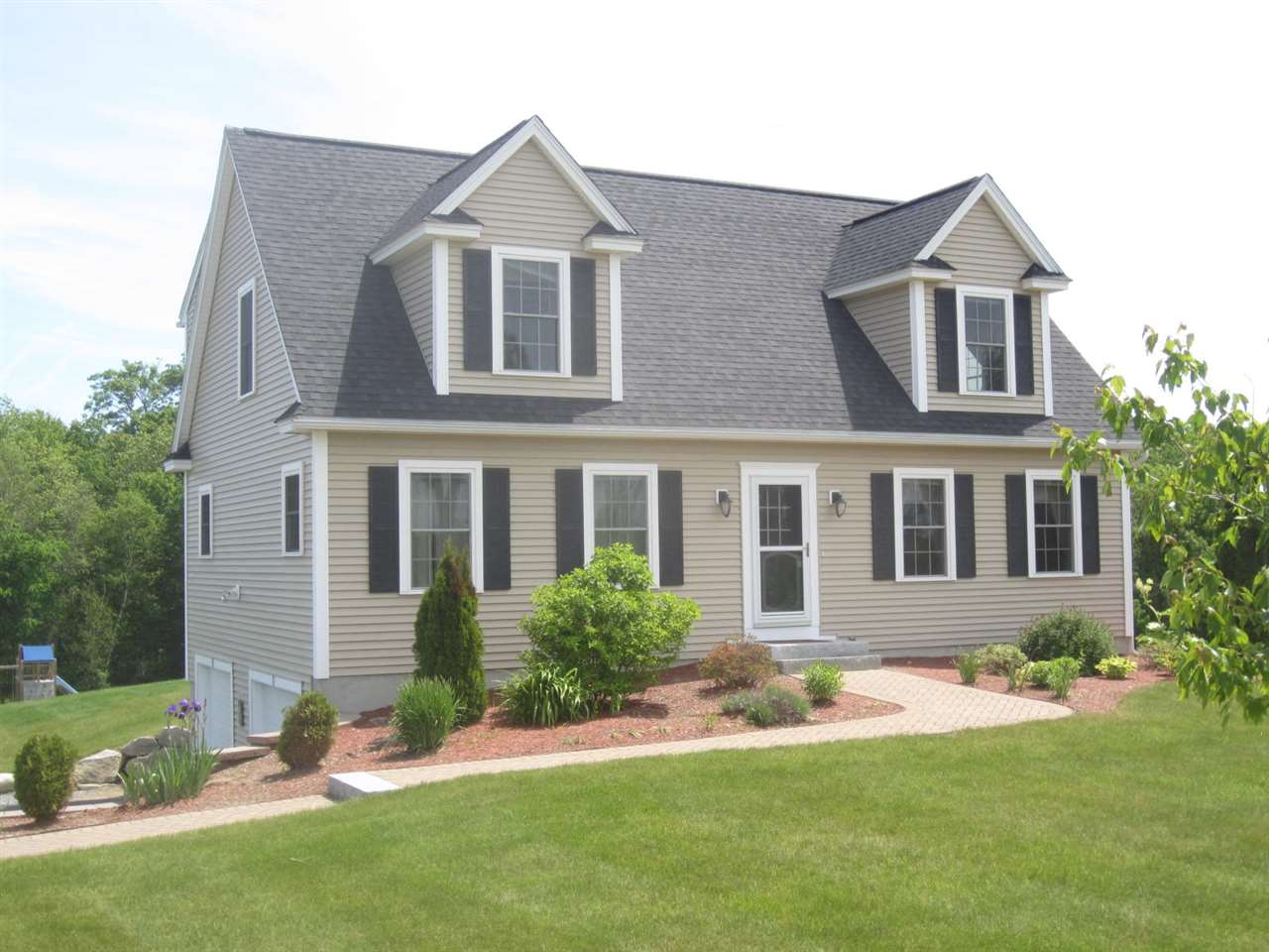 DEERFIELD NHHome for sale $$334,900 | $150 per sq.ft.