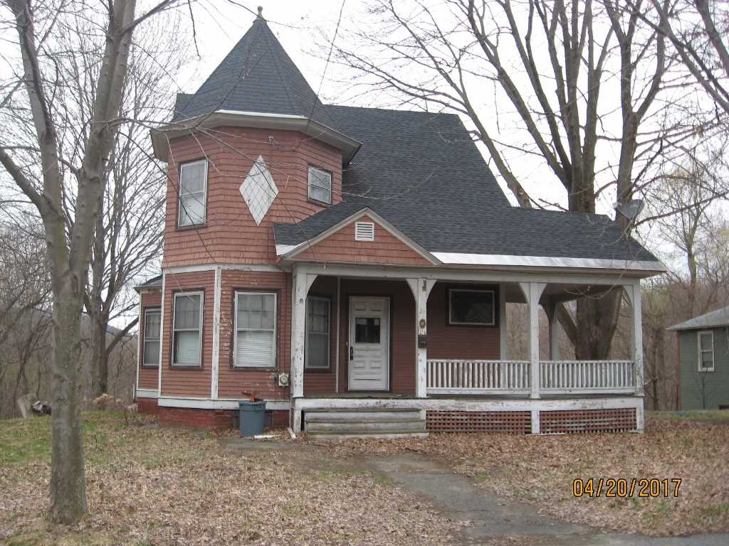 LEBANON NH Home for sale $$159,900 | $95 per sq.ft.