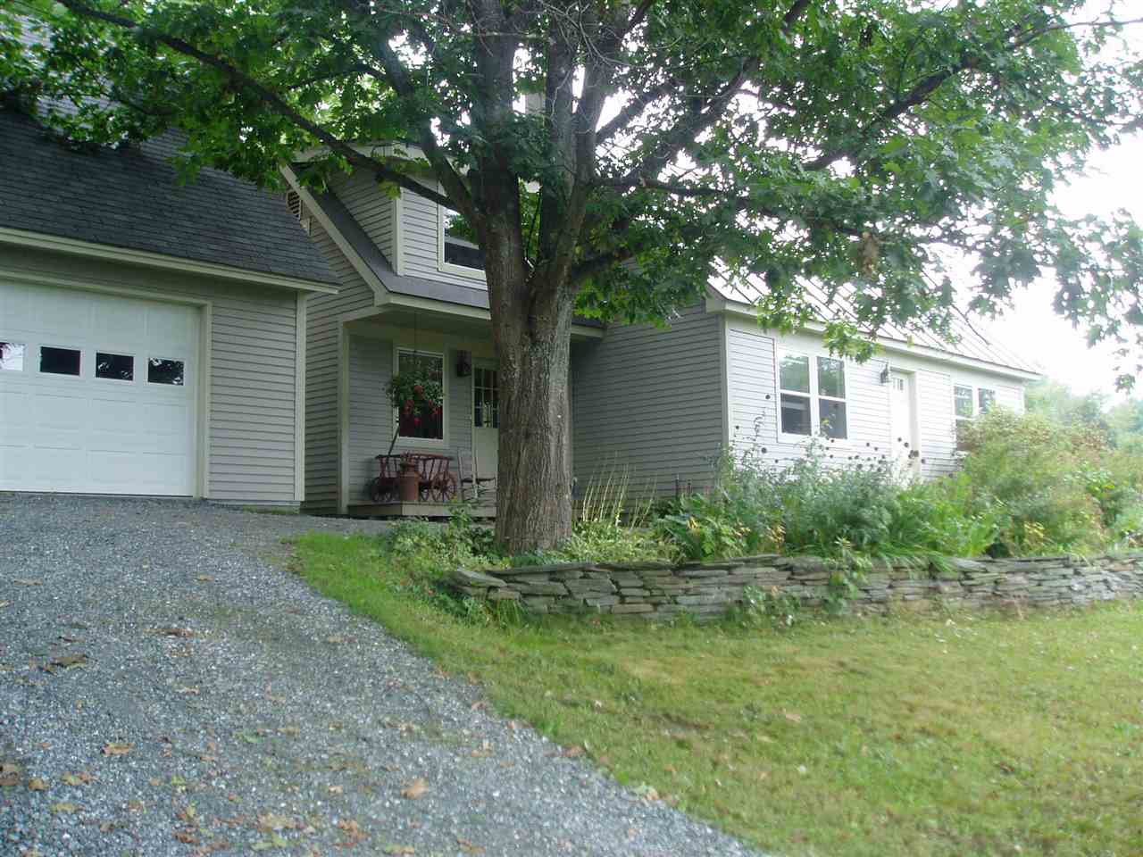 HARTFORD VT Home for sale $$239,000 | $165 per sq.ft.
