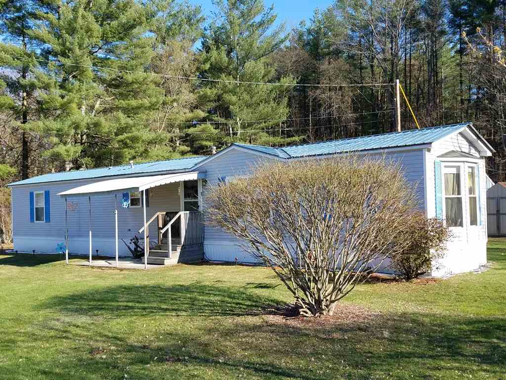 CLAREMONT NHMobile-Manufacured Home for sale $$64,900 | $63 per sq.ft.