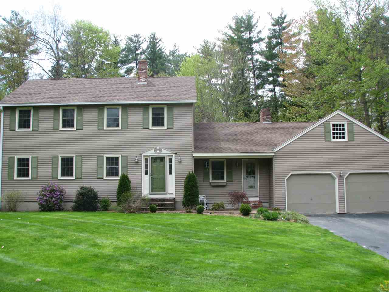 Mont Vernon NHHome for sale $List Price is $289,900